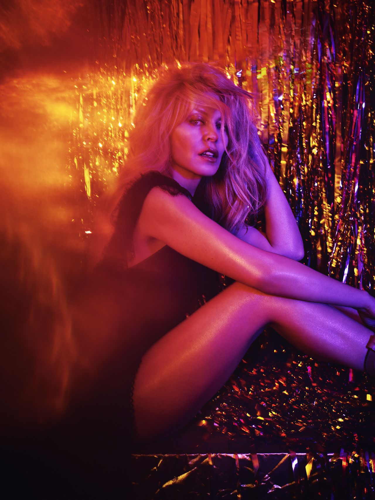 2018_kylie-minogue-golden-album-promo-2018-10.jpg