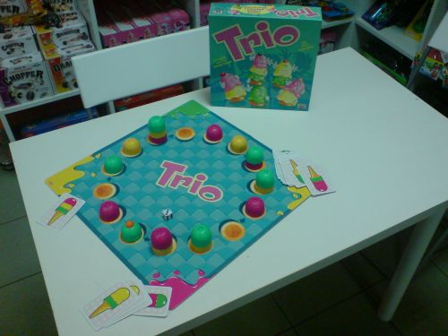 trio1.jpg