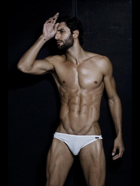 Alejandro4_0.jpg