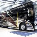 Öt méregdrága, luxus lakóbusz
