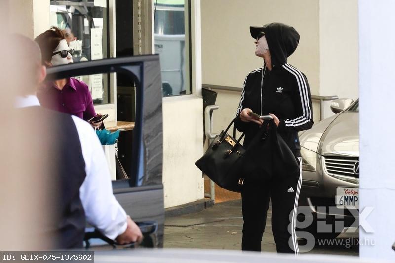 Katy Perry anyukájával arckezelés után