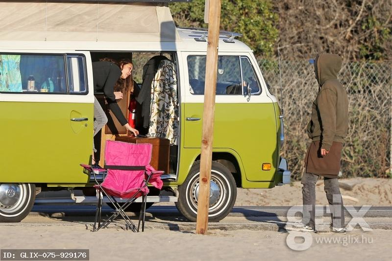 Teri Hatcher lakóautójából látott vendégül egy hajléktalant