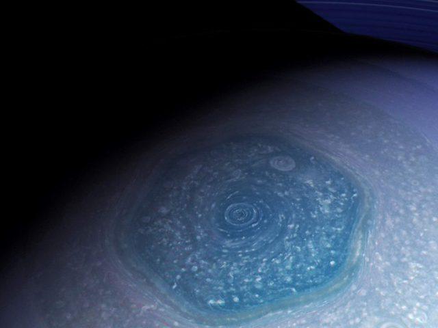 A Szaturnusz hatszögének titka