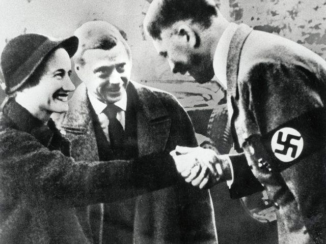 Politikai manőverek a windsori herceg körül