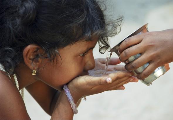 soswater-fresh-drinking-water-in-need.jpg