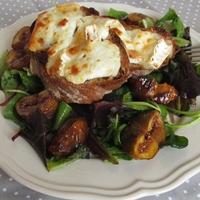 GS Bistro - Kecskesajtos melegszendvics, fügés salátával