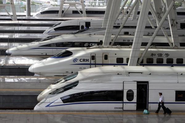china-ordena-reducir-velocidad-trenes-bala_1_833342.jpg