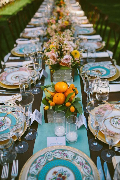 http-www_weddingomania_compicturesawesome-colorful-wedding-table-settings-29.jpg