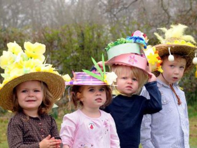 Húsvéti Halloween? Erszényes csokinyúl? – Így ünnepelnek a gyerekek a Föld körül