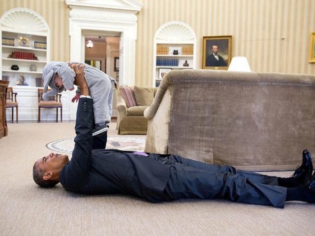 Gyereklátogatók az Elnöknél