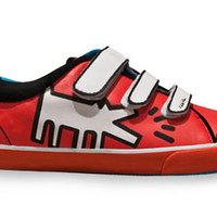 Festmények a cipőn