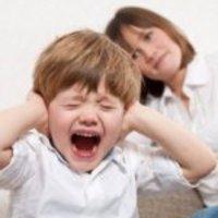 Hogyan kezeljük a kisgyerek érzelmi kitöréseit?