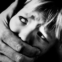 A gyermekbántalmazás jogi vonatkozásai