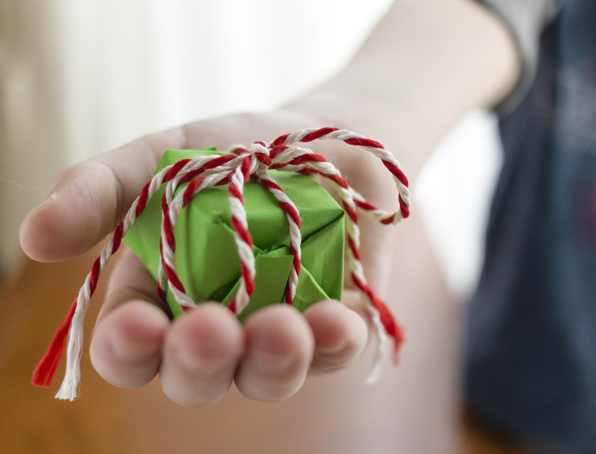 gift-1443862_1920.jpg