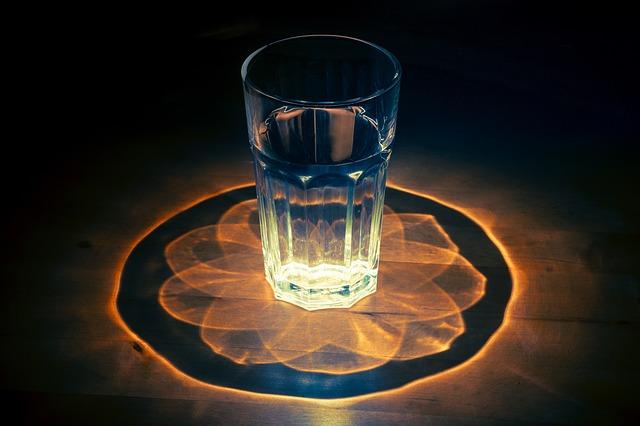 glass-1730518_640.jpg