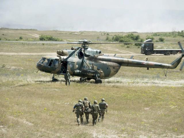 Tovább pimpelik a honvédség helikoptereit