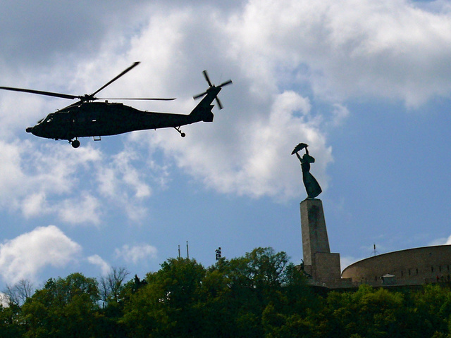 A kormány megszellőztette a katonai helikoptertender eredményét