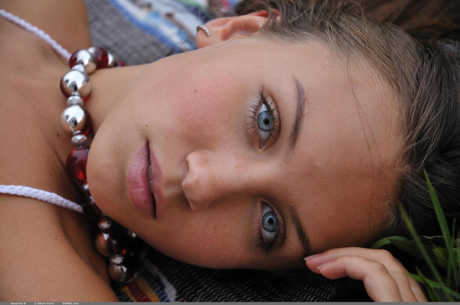 Katarina, a gyönyörű szemű sellő (+18)