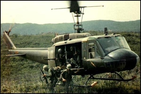 huey_helikopter.jpg