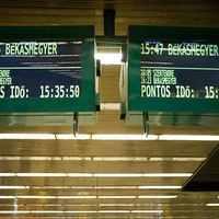 Mi minősül pazarlásnak? - Utastájékoztató rendszerek a fővárosban és Debrecenben