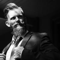 Dús szakállat növesztenél? A hajbeültetés segíthet!