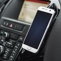 Két egyszerű, de nagyszerű telefontartó az autóba