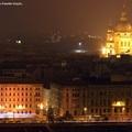 Kivilágított járművek kavalkádja Budapesten