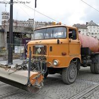 Nincs építkezés KGST gépsárkányok nélkül (bónusz versenyző: VW T2)