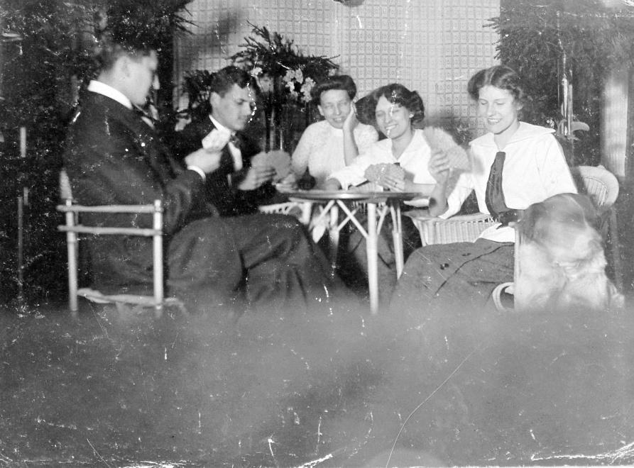 1917_lakasban.jpg