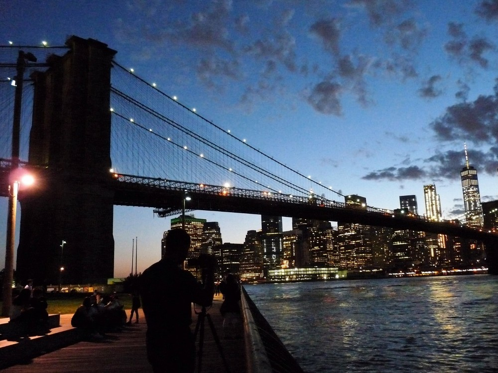 a_brooklyn_bridge_es_manhattan_a_brooklyn_bridge_parkbol_nezve.jpg