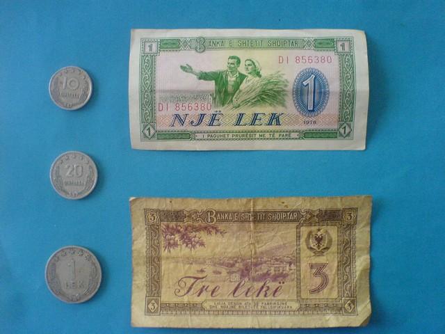 Régi albán pénzek.JPG