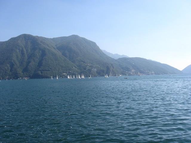 tó hajókkal.jpg