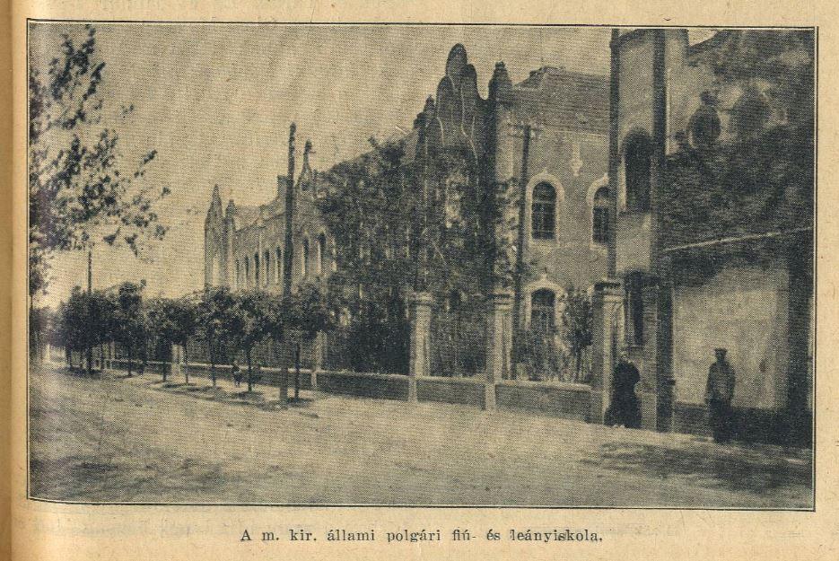 Az egykori polgári iskolák, később a gimnázium épülete.