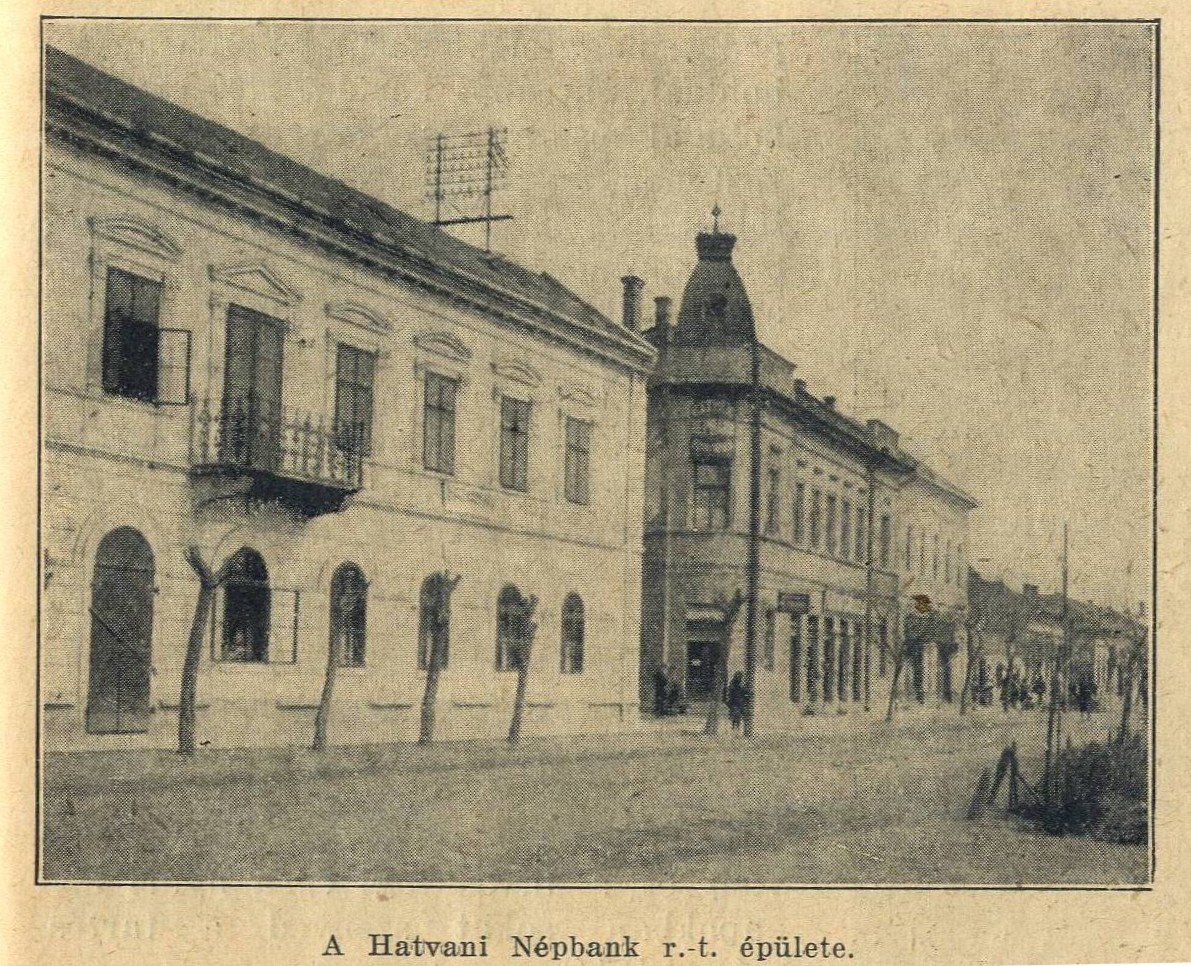A Hatvani Népbank székháza, a kupolát sajnos a II. világháború után lebontották.