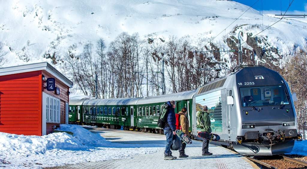 Relaxálj ma élő vonatutakkal!
