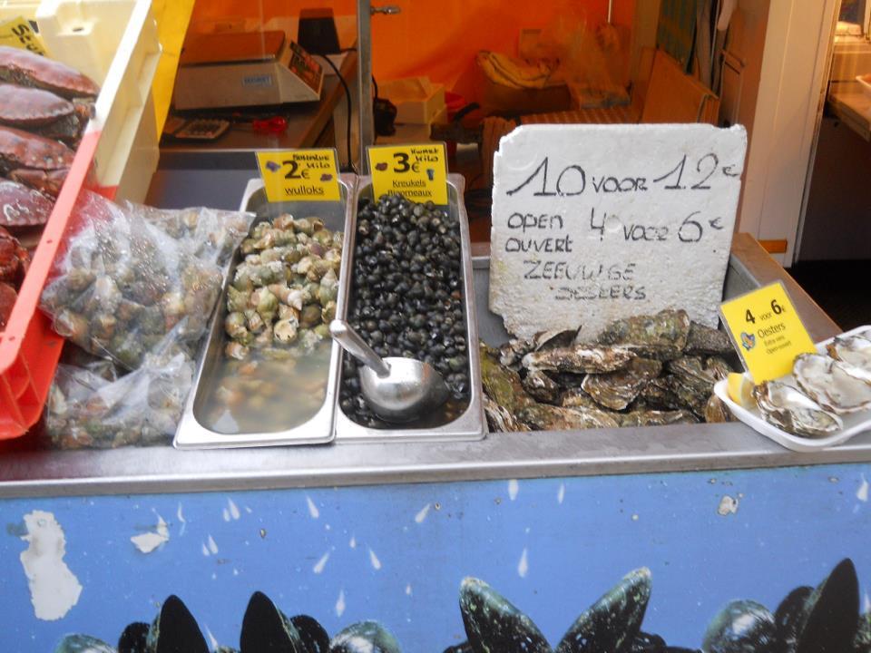 A tengerparton kapható friss tengeri herkentyűk. Némelyikük egészen finom. - (Fotó: Botos Zsuzsanna)