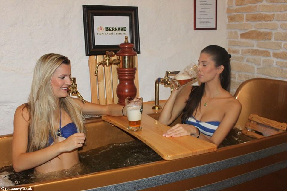 Cseh nők (Fotó: rossparry.co.uk)
