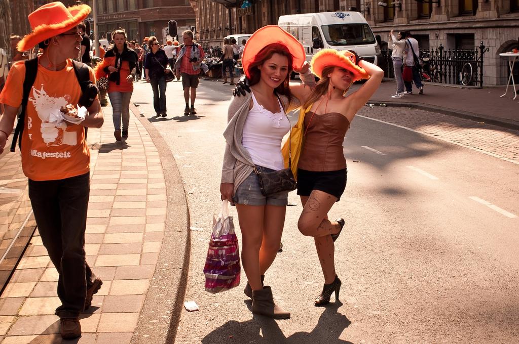 Amszterdami lányok (Fotó: Flickr/Luca Sartoni)