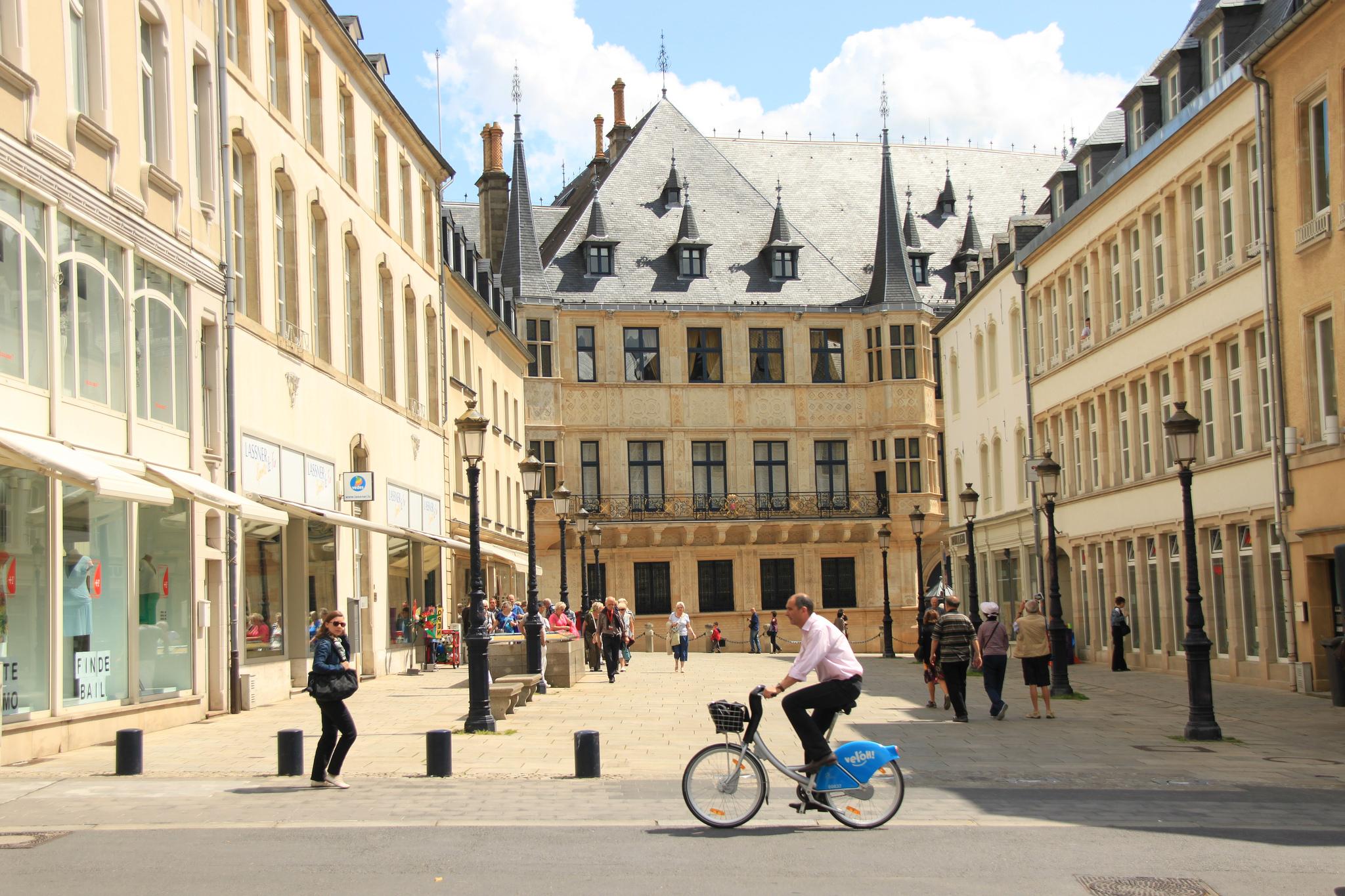 luxemburg_utca.jpg