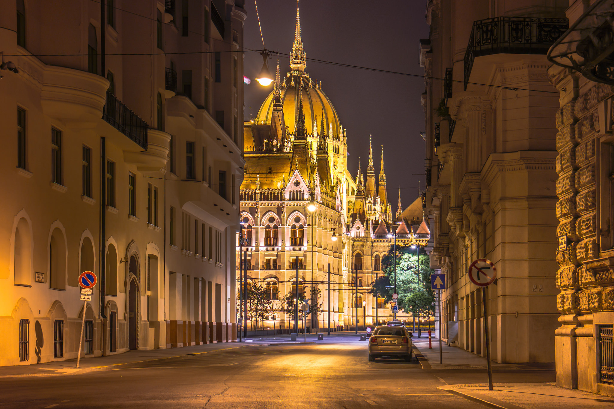 parlament_budapest_magyarorszag.jpg