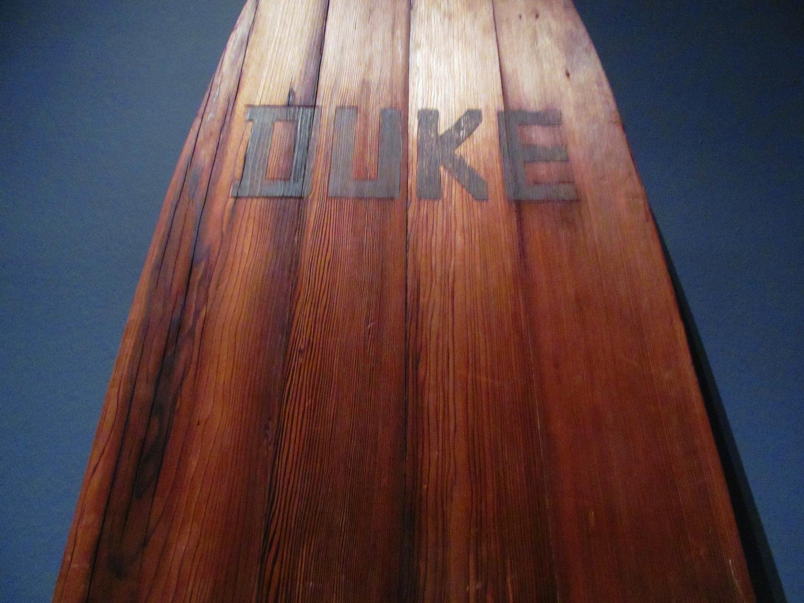 Duke híres deszkája (Fotó: Flickr/rocor)