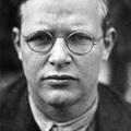 Április 9.: a nácik kivégzik Dietrich Bonhoeffer evangélikus lelkészt (1945)