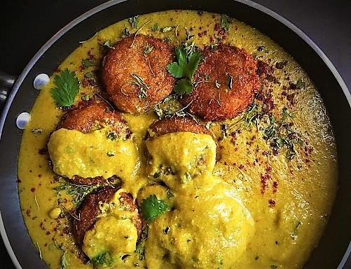 burgonya_kofta_curry_szoszban1.jpg
