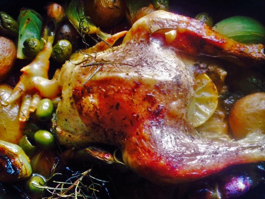 Mediterrán csirkesült vaslábosban