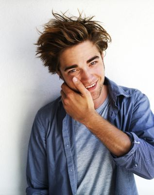 http://m.blog.hu/he/hestyle/image/robert-pattinson-robert-pattinson-2550443-317-400.jpg