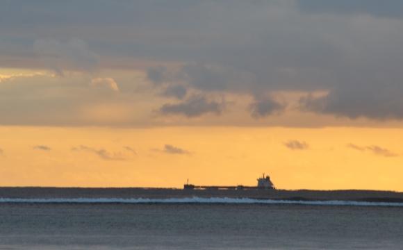 hajó a naplementében.JPG