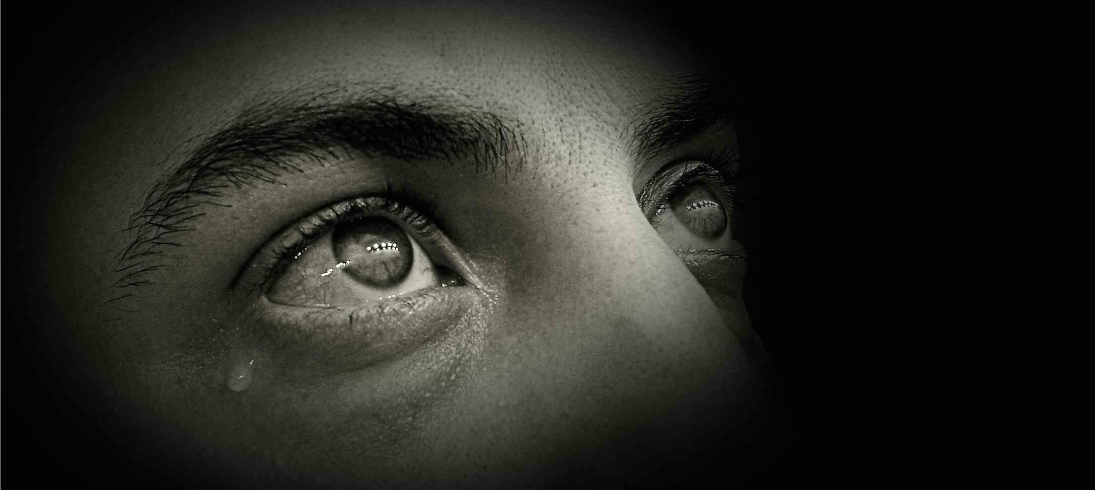 Hipnoterápia Borderline személyiségekkel: A hipnózis, mint a szabályozott regresszió eszköze a terápiás kapcsolatban.  Esszé