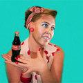 Selmeczi Gabriella váltja Dukai Reginát a Cola-reklámban