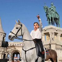 A nap képe: visszaállítják Orbán Viktort