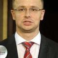 Lemondásra szólította fel a miniszterelnököt Szijjártó